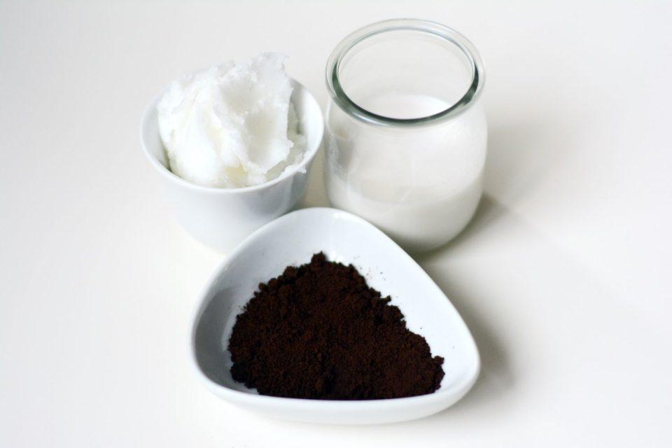 peelingujące mydło kawowo-kokosowe